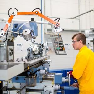 Mechanik obráběč kovů